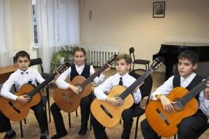 Ансамбль гитаристов. Преподаватель Сметухина Ирина Вячеславовна